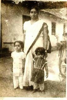 Shaku, sister Shanti and Ammoomma (Grandma)